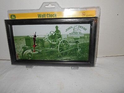 Vintage COLLECTIBLE JOHN DEERE Wall Clock with Farm Scene Tractor