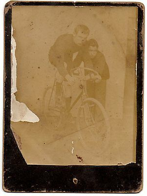 OLD ORIGINAL PHOTO MAN & RACE CYCLIST ON ANTIQUE BIKE BYCICLE 1900's
