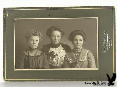 Antique Photo 3 Young Women Geo. L. DeMers Argyle MN Lovely Portrait
