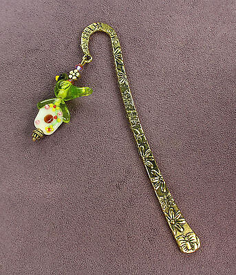 GREEN PARAKEET BOOKMARK Lampwork Bird Parrot Birdhouse Garden Flowers Butterfly