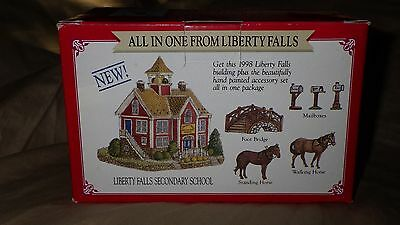 """Liberty Falls """"secondary School And Pewter Horse Christmas West Village Figurine"""