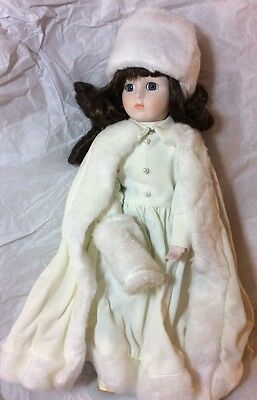 """House Of Lloyd~White Coat~16""""1988 Xmas Around The World Porcelain Doll(Great Con"""