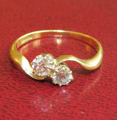 STUNNING VICTORIAN 18ct YELLOW GOLD 0.20ct DIAMOND TWO STONE TWISTED RING SIZE M