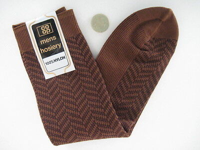 FUNKY RETRO VINTAGE 60s NYLON BRAND NEW OLD STOCK UNWORN PATTERNED MENS SOCKS  D