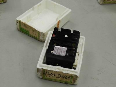 #472 General Electric GE CR122AD02141AA ​125Vdc Control Relay  NEW