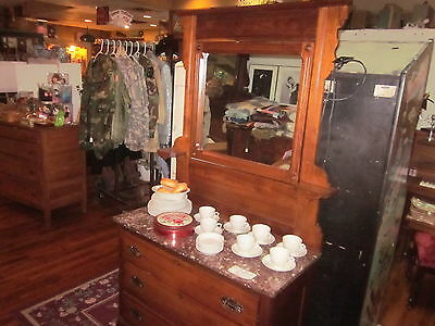 Antique Victorian Dresser W/ Marble Top Free Pick up in Inverness Florida