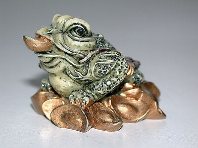 Weird But Intriguing Chinese Feng Shui Good Luck Frog Figurine
