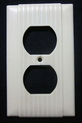 1 Vintage Beige Bakelite Uniline Art Deco HH PS Outlet Plate Cover Ribbed Lines