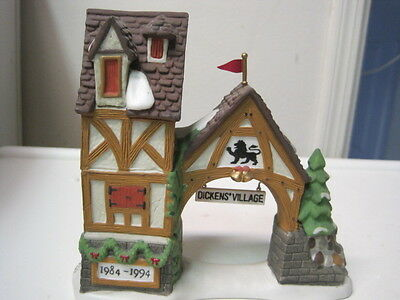 Dept 56 - Dickens Lot 2: Postern + Royal Coach