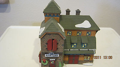 Dept 56 - New England Lot 5: Mcgrebe-Cutters - Bluebird Seed - Accessories