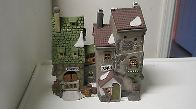 Dept 56 - Dickens Fagin's Hide-A-Way