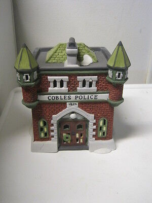 Dept 56 - Dickens Lot 3: Cobles Police Station - Theatre Royal W/access