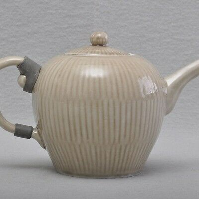 Meissen Tea kettle, small Tea pot, broken Rod, um 1726-1740