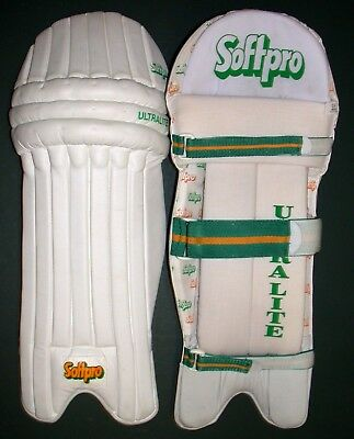 New Ultralight Test Quality Cricket Batting Pads 2 Sizes Teenage and Adult