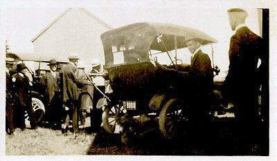 Old B/W photo 4x2  group of men gathered near old early 1900's cars (c)