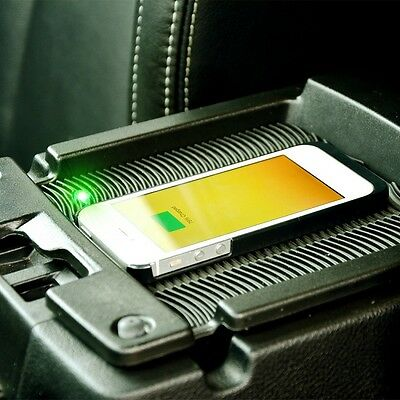 2010+ Jeep Wrangler Qi Wireless Mobile Phone Charger Kit