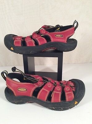 Keen Newport Water Shoes Sandals - Youth Size 4 - Red/Black - Rubber WATERPROOF