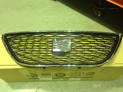 Seat Exeo Honeycombe Front Grille With Emblem 3R0853651A9B9