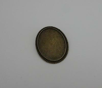 Brooch setting oval frame for 30 x 40 mm cabochon with pin back antique bronze