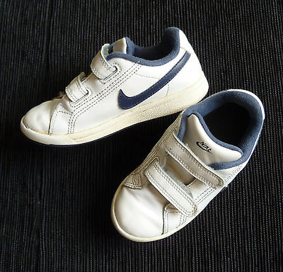 Baby clothes BOY 2+years  NIKE white/navy blue trainers size Eur 26.5 /UK size 9