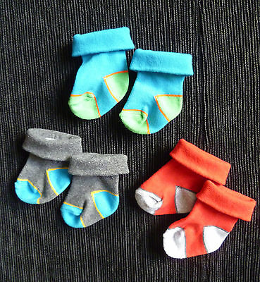 Baby clothes BOY newborn 0-1m 3 pairs bright socks, blue/grey/red COMBINE POST!