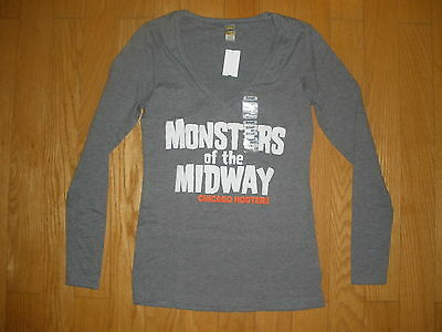 77849872 New Womens Gray Long Sleeve Hooters Monsters Of The Midway T-Shirt Chicago  S,