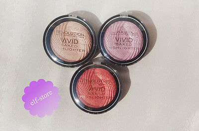 Revolution MakeUp Highlighter Vivid Baked Shimmer highlighting face powder Mua