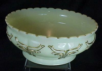 Heisey Custard Glass Winged Scroll Pattern Master Berry Bowl