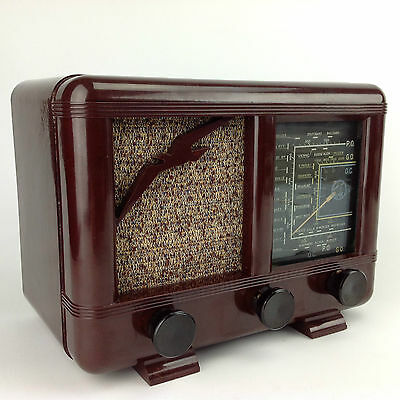 Stunning and Rare GMR CRICKET 46 Bakelite Radio