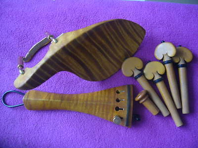 2 sets of 4/4 violin fittings flamed maple wood and boxwood pegs