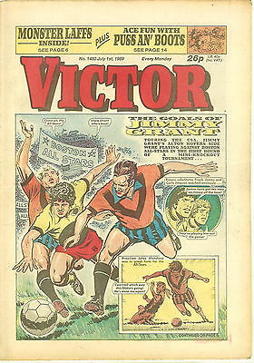 The Victor 1480 (July 1, 1989) high grade copy - Tony Cascarino back cover pinup