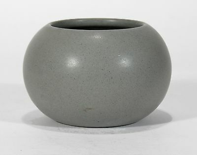 Marblehead Pottery undecorated handthrown matte gray vase arts & crafts A. Baggs