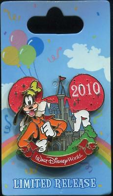 WDW Characters with Cinderella Castle Goofy Disney Pin 80052