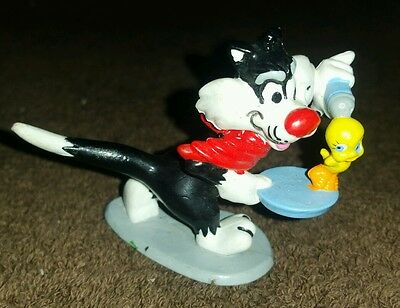1990 Sylvester With Tweety On Plate Warner Brothers PVC Toy