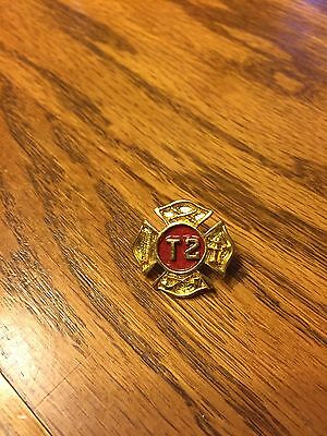 FIREFIGHTER HOOK & LADDER PIN # T2 , Gold Tone ,NEW !