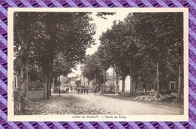 CPA 10 - MAILLY - sortie du camp