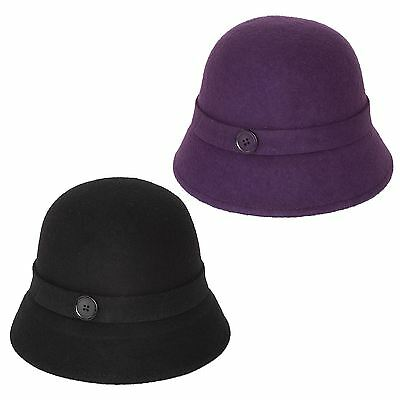 Cloche Hat with a Button
