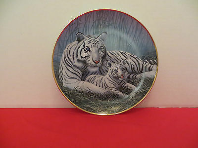 """National Wildlife Federation Commemorative Plate  """"White Tigers"""""""