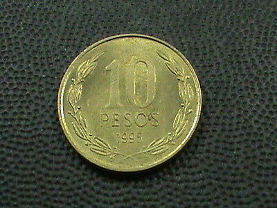 CHILE   10  Pesos    1995  UNCIRCULATED  , $ 2.99 maximum shipping in USA  !