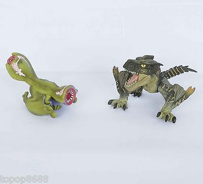 #Bz3 ~ lot of 2 Capcom Monster Hunter Figure Gigginox and other one no stand