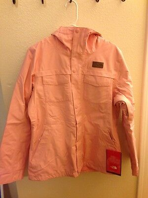 10 The North Face Women's Ricas Insulated Jacket  Size:M Color: Ballet pink