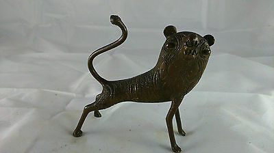 old Small bronze sculpture. ancienn Petite sculpture en  bronze afrique LION FON