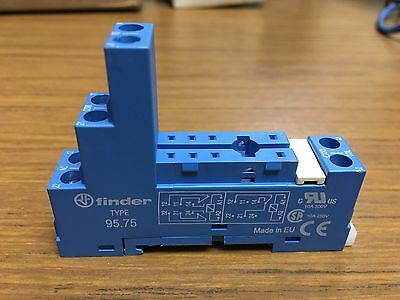 Finder Relay Socket, Type 95.75