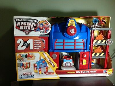 Transformers-Rescuebots..Electronic Fire Station Prime