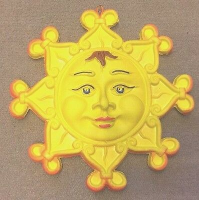 Sicilian Pottery-9,1/2 inch sun Caltagirone.Made/Painted by hand in Italy