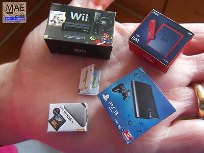 Set videogame console box miniature. Wii & mini, 3DS XL, PS3 + game. Scale 1/12