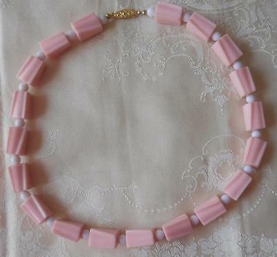 Fabulous Vintage 1960's Ridged Pink Plastic With Sml Round White Beads Necklace