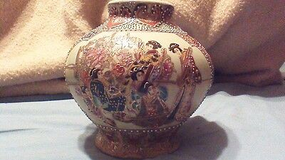 Hand Painted Royal Satsuma Oriental / Asian Vase W/ Lots Of Moriage Beading