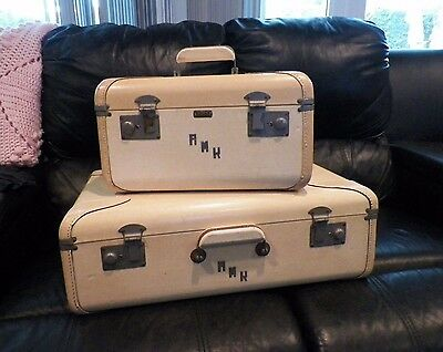 Vintage Vogue Two Piece Set Cream Ivory Color Leather Luggage Cosmetic Suitcase