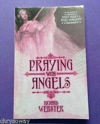 PRAYING WITH ANGELS-9780738710983-Richard Webster